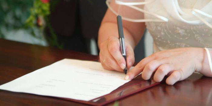 Hochzeit flitterwochen ausweis