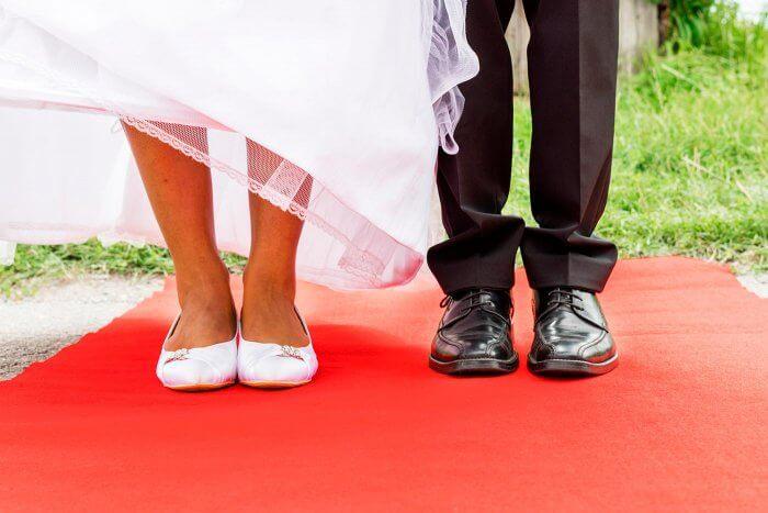 Roter Teppich für Hochzeit