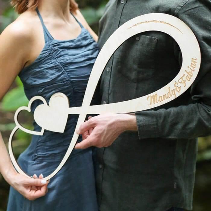 Holzschild Hochzeit Unendlichkeitszeichen