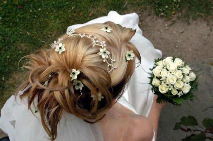Hochzeitsfrisur hochgesteckt