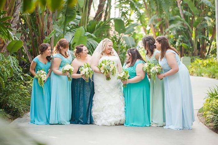 Brautjungfernkleider Blautöne