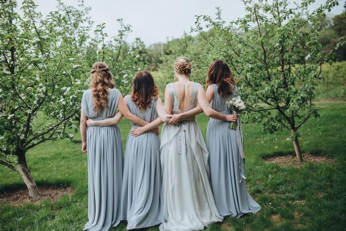 Brautjungfernkleider in Hellblau