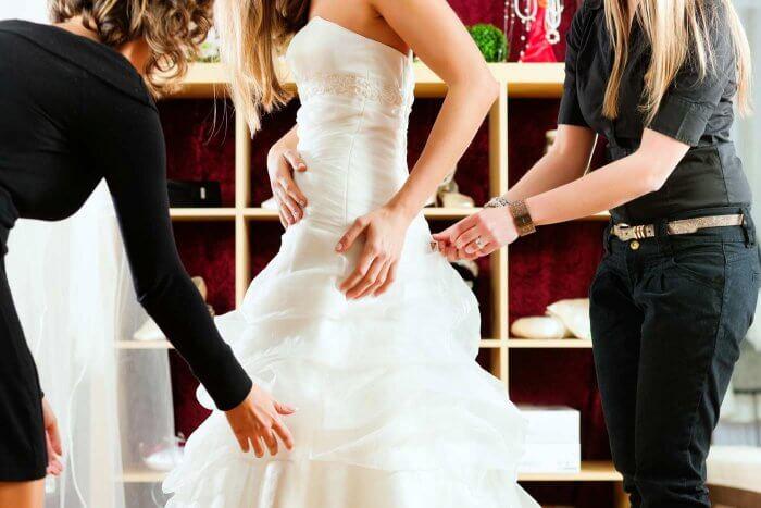Änderungsschneiderei für das Brautkleid