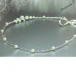 Diadem mit Perlen