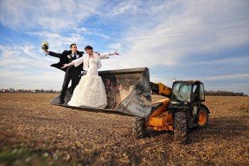 Hochzeit auf dem Bauernhof Hochzeitsauto Traktor