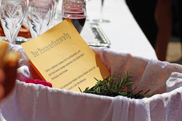 Rosmarinzweig Hochzeitsanstecker für Gäste