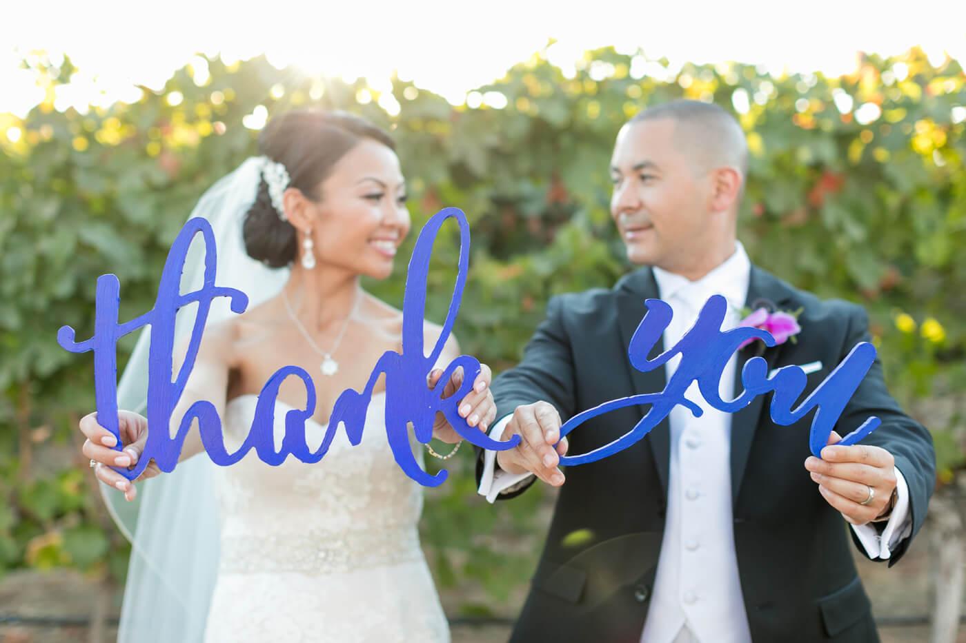 Brautpaar sagt Danke