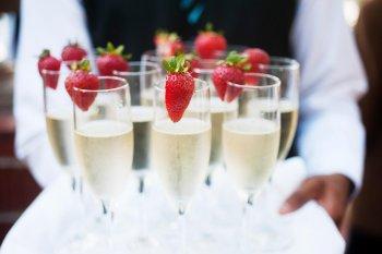 Sektempfang zur Hochzeit  Die 7 besten Tipps & Ideen