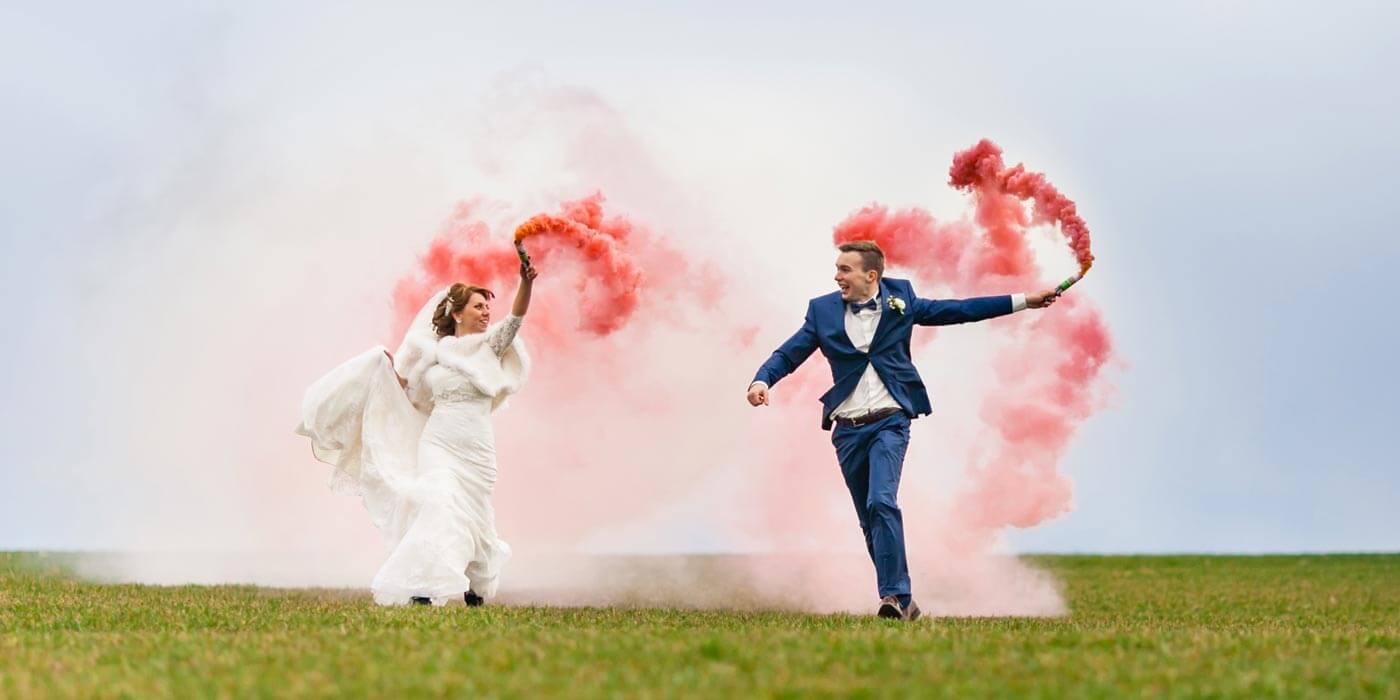 Adorable Lustige Hochzeitsbilder Photo Of Chantal Benoit Photographer Farbiger Rauch Für Die