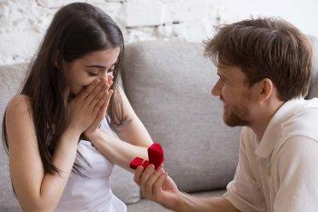 Wo trägt man den Verlobungsring?