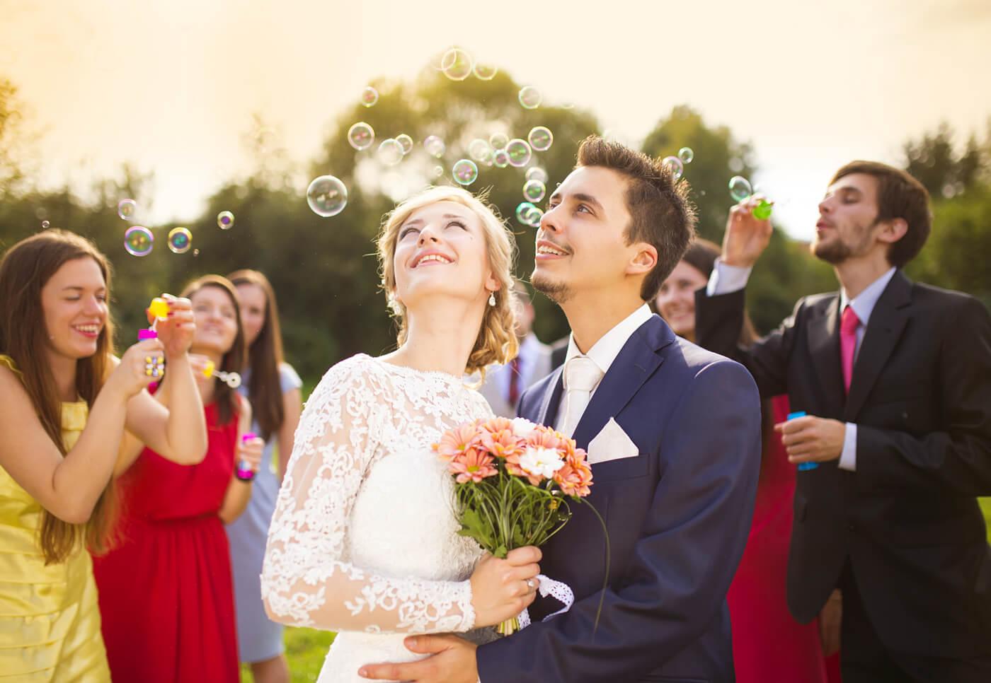 Seifenblasen Hochzeit: Tipp, Infos & Ideen zu Wedding Bubbles