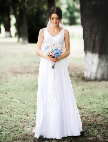 Schlichte Brautkleider