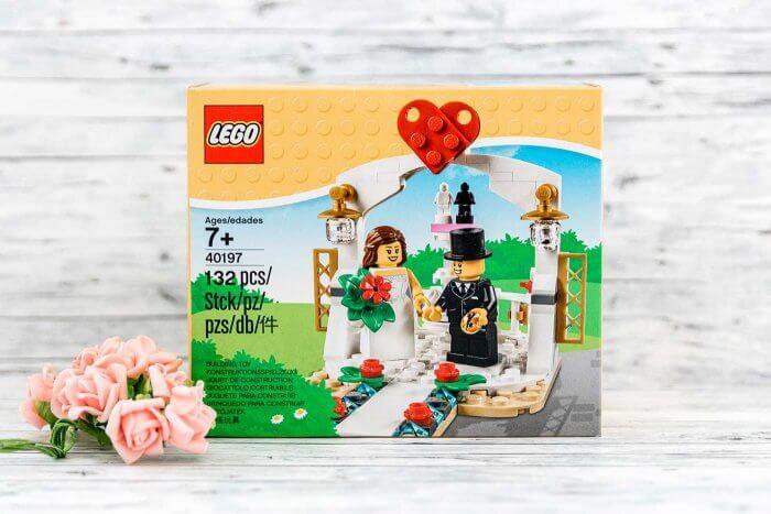 Lego Brautpaar bei Hochzeit