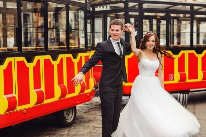 gruene Hochzeit Touristenbus