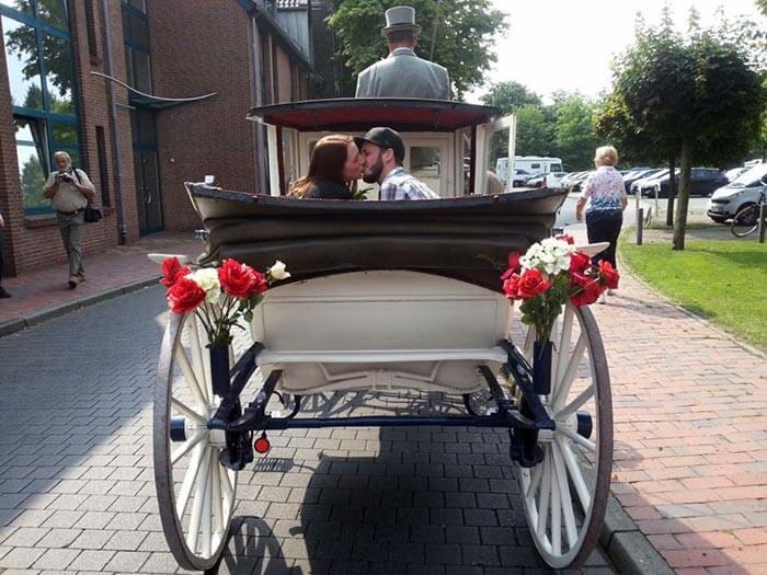 Romantischer Heiratsantrag Pferdekutsche