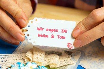 Hochzeitseinladungen selber basteln Etikettenstanzer