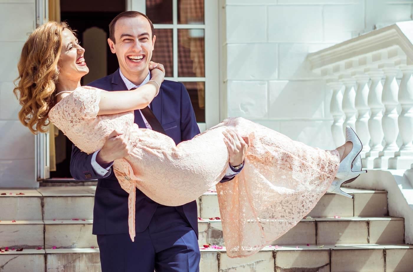 Hochzeitsspiele und Überraschungen nach dem Standesamt