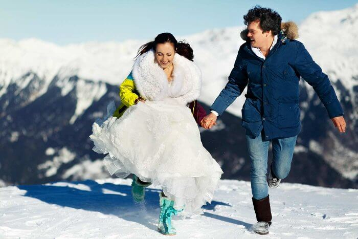 Trash the Dress im Schnee